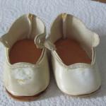 Küsschens Schuhe: lose Sohlen, gelb von Nikotin....